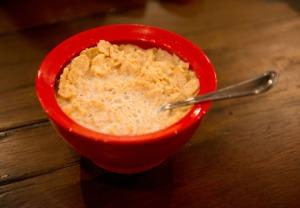 No es lo habitual, pero en algunos países (como Reino Unido y Estados Unidos) hay muchas marcas de cereales cuyos productos contienen suplementos vitamínicos de origen animal. Por lo tanto, éste dejaría de ser un producto vegetariano. (Foto: Noam Galai / WireImage / Getty Images).