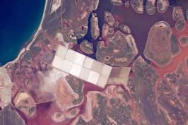 Las peculiares lagunas costeras repletas de pequeñas islas redondas, típicas en la costa oeste de Australia.