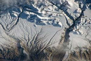 La nevada cordillera del Himalaya, próxima a la frontera entre China e India.