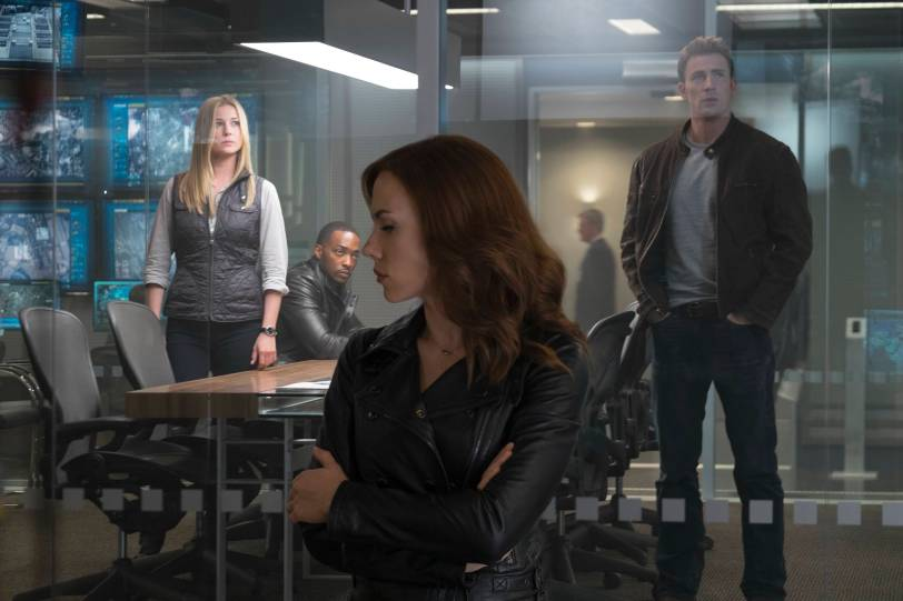 Captain_America_Civil-War-Cap-Black-Widow-Sharon-Falcon