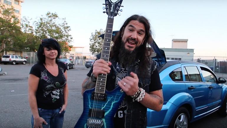 robb-flynn-reunited-with-dimebag-guitar-770x433
