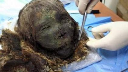 momia-polar-es-encontrada-intacta-luego-de-900-anos_1502108789-b