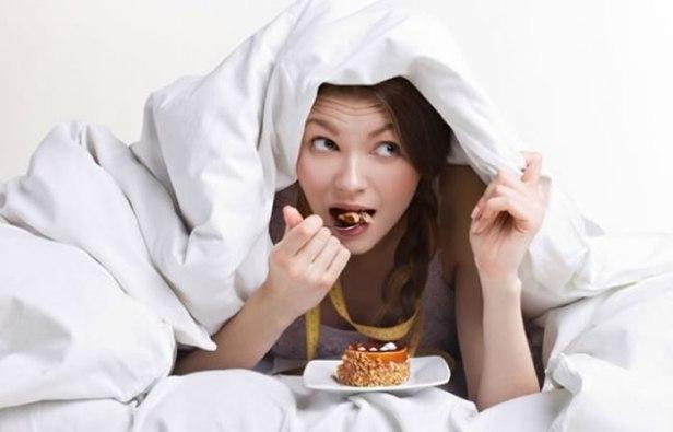 Efectos-Negativos-de-Comer-después-de-las-7-de-la-Tarde